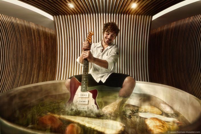 un cuisinier de top chef dans un jakuzzi