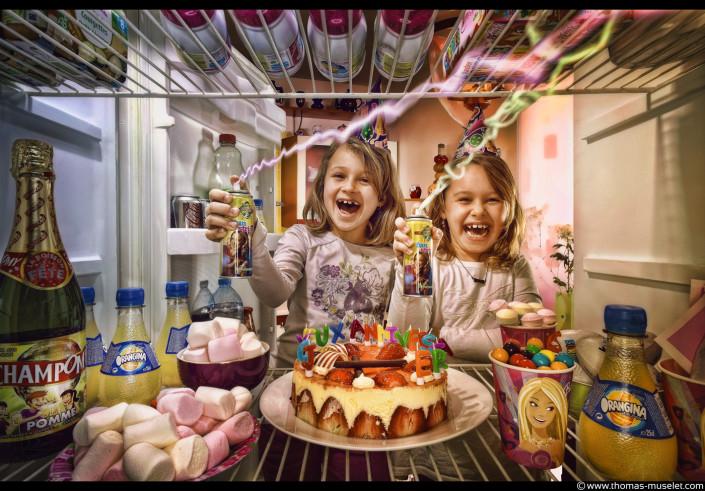 des filles dans un frigo photo