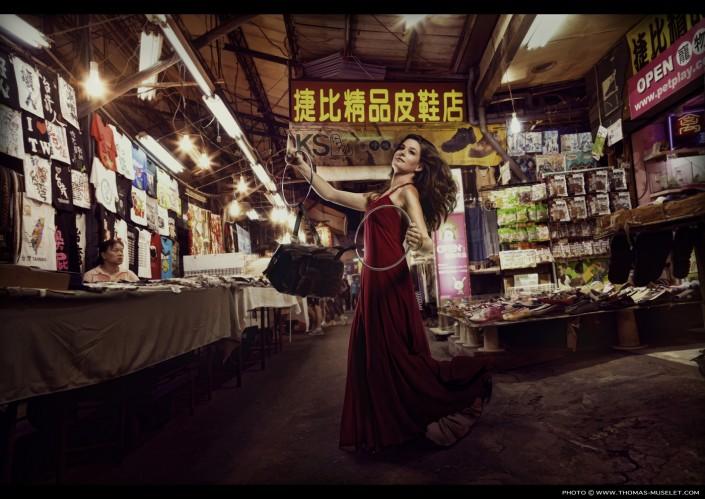 une magicienne en chine avec des Anneaux
