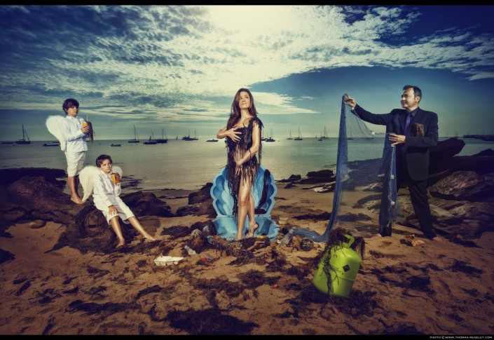 photo d'une famille de magiciens qui représentent le tableau de la Venus