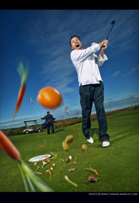 un cuisiner frappe une balle dans un golf cuisiner HDR