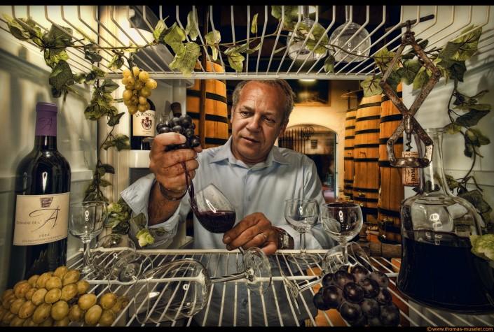 Un consultant en vin dans un frigo