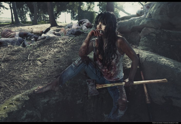 femme sexy tueuse de zombie