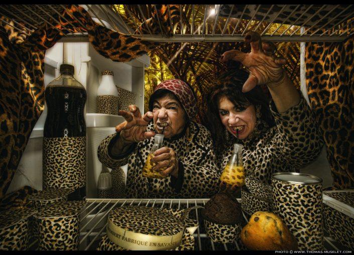 Esmeralda et Pascaline dans un frigo les femmes panthères