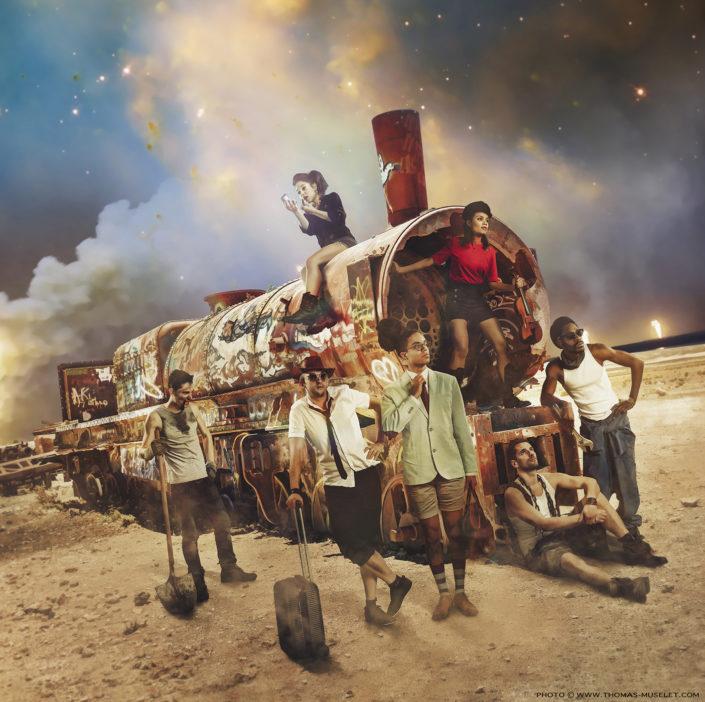 photo d'un groupe de musique dsc avec un train
